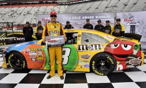 Kyle-Busch-wins-pole-for-Bristol