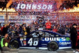 nascar_tms_nscs_110313_Johnson_Victory_Lane