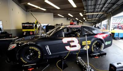NASCAR_Preseason_Thunder_DIS_1914_Austin_Dillon_Three-400x230