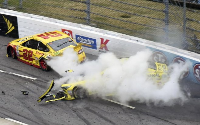 logano vs kenseth martinsville
